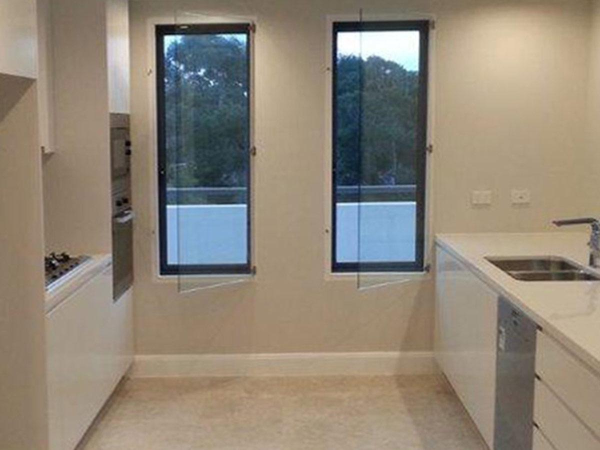 Euro Double Glazing: Modern Kitchen
