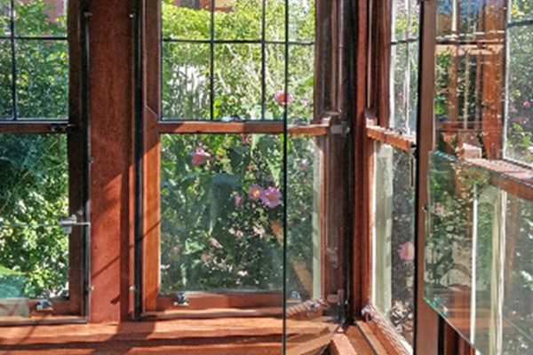 Euro Double Glazing: Project - Corner Window